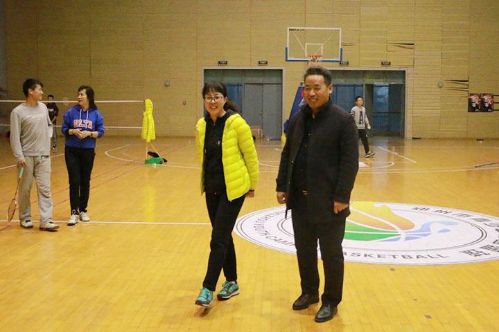 东城一中2018年度教职工羽毛球赛圆满举行